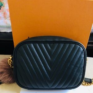Louis Vuitton Bags - Louis Vuitton camera bag